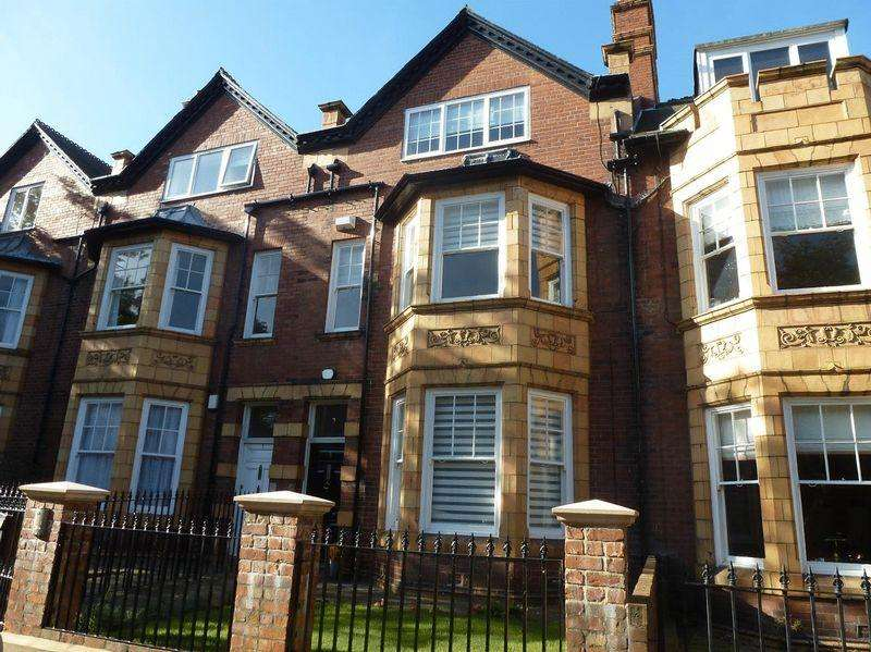 4 Bedrooms Terraced House for rent in Woodbine Avenue, Newcastle Upon Tyne