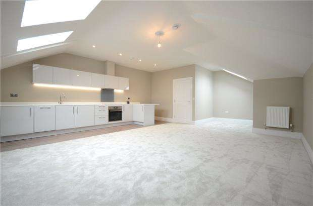 2 Bedrooms Apartment Flat for sale in Castle Crescent, Reading, Berkshire