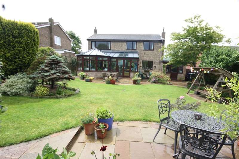 4 Bedrooms Detached House for sale in Whaddon Chase, Guisborough, TS14