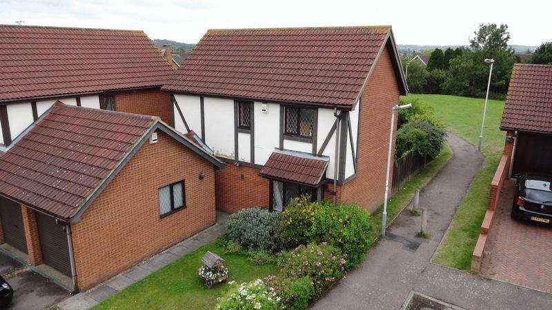 3 Bedrooms Detached House for rent in Ingram Gardens, Luton