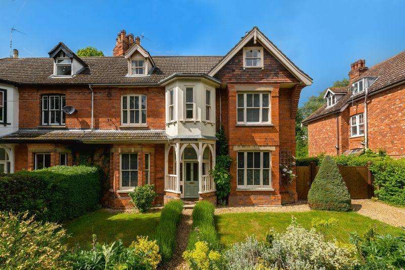 5 Bedrooms Semi Detached House for sale in Alverstone House, Iddesleigh Road, Woodhall Spa