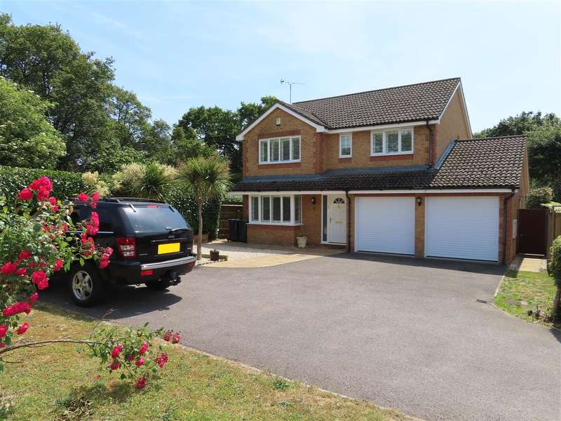 4 Bedrooms Detached House for sale in Lakeside Gardens, Havant