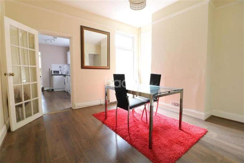 3 Bedrooms Terraced House for rent in Ridgway Road, Luton