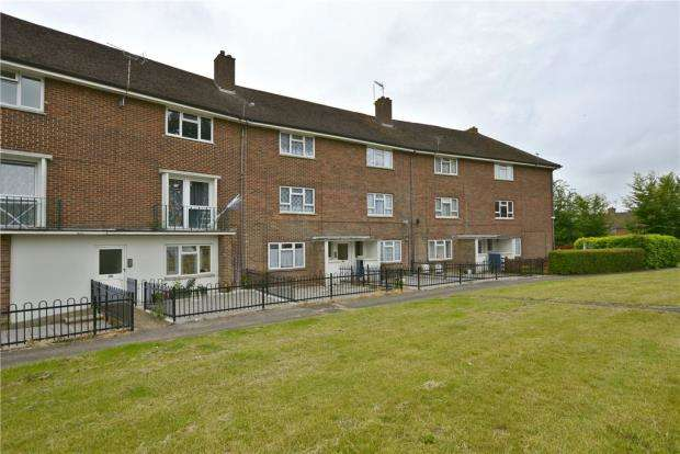 2 Bedrooms Apartment Flat for sale in Trussell Crescent, Winchester, Hampshire