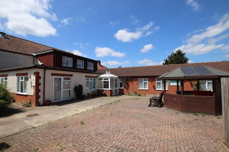 21 Bedrooms Detached House for sale in Links Avenue, Norwich