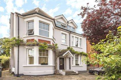 2 Bedrooms Flat for sale in Sandford Road, Bromley