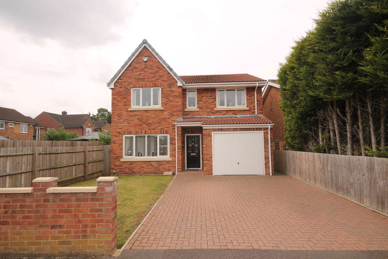 4 Bedrooms Detached House for sale in Brecon Way, Bedford, MK41