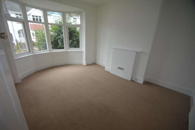 3 Bedrooms Terraced House for rent in Clifton Grove, Paignton TQ3