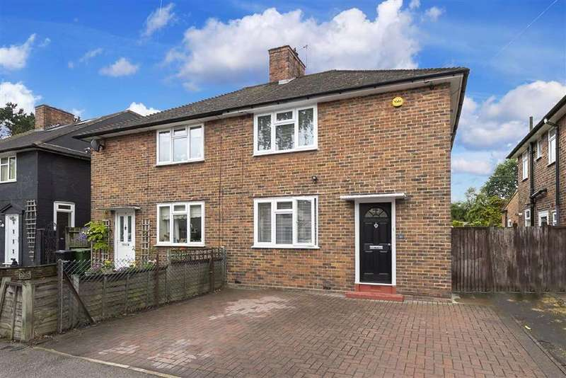 2 Bedrooms Semi Detached House for sale in Withy Mead, Chingford