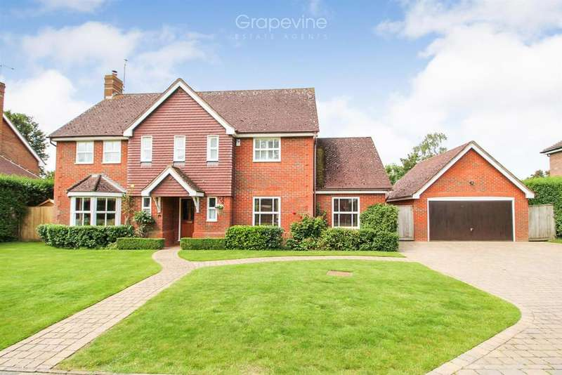 5 Bedrooms Detached House for sale in Llewellyn Park, Twyford, Reading