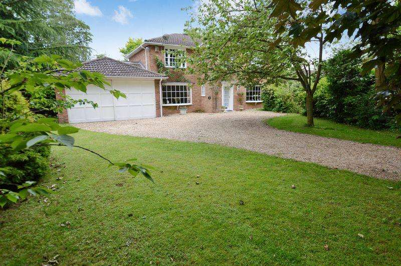 4 Bedrooms Detached House for sale in Monkswood, 26 Arnhem Way, Woodhall Spa