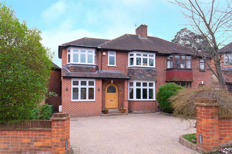 4 Bedrooms Semi Detached House for sale in Forest Approach, Woodford Green, IG8