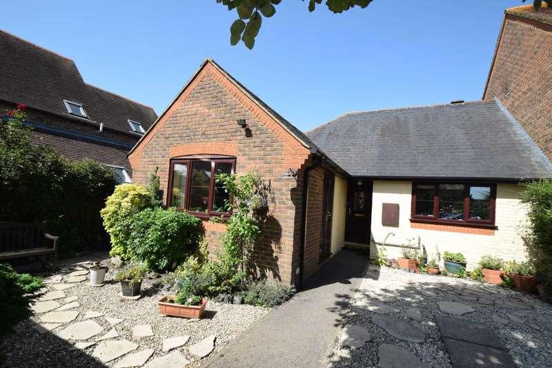 2 Bedrooms Bungalow for sale in Chestnut Place, Watlington