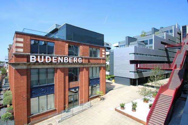 2 Bedrooms Apartment Flat for sale in Budenberg, Woodfield Road, Altrincham