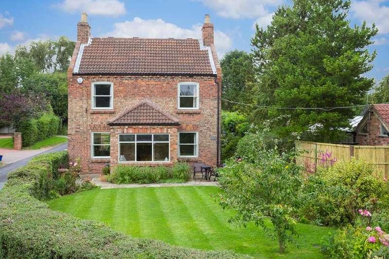 6 Bedrooms House for sale in The Green, Stillingfleet, York, YO19