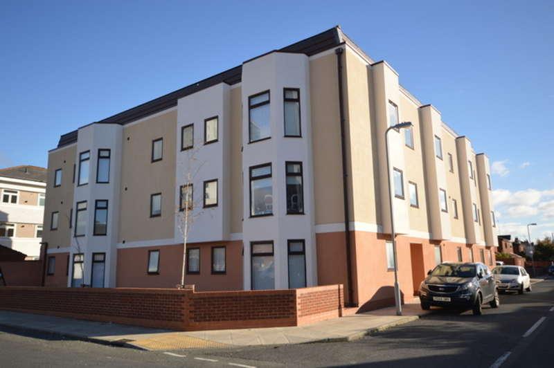 2 Bedrooms Flat for rent in Queen Street, Waterloo, L22