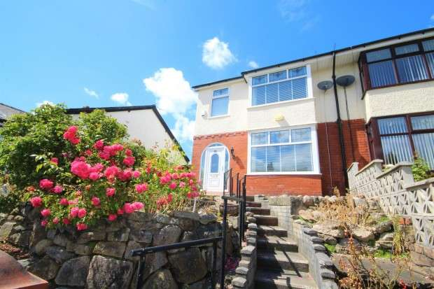 3 Bedrooms Semi Detached House for sale in Southern Parade, Preston, PR1