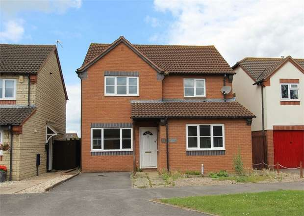 4 Bedrooms Detached House for sale in The Cornfields, Bishops Cleeve, Cheltenham, Gloucestershire