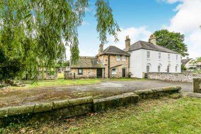 5 Bedrooms Detached House for sale in Old Skellow, Doncaster