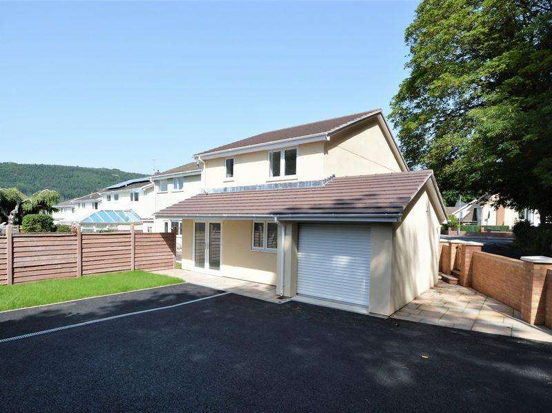3 Bedrooms Detached House for sale in Fairhome, Gilwern, Abergavenny