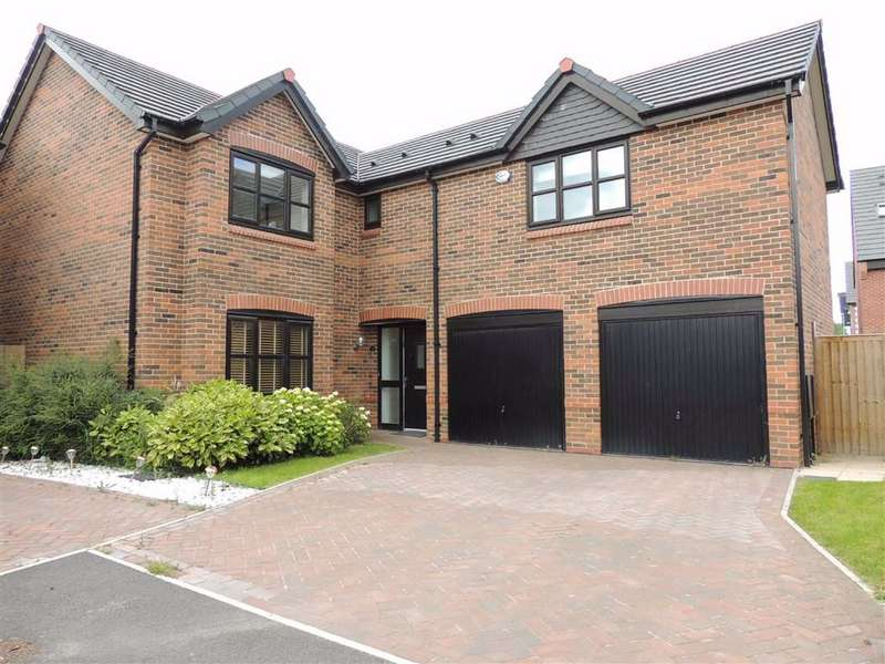 5 Bedrooms Detached House for sale in Blackthorn Road, Hazel Grove, Stockport