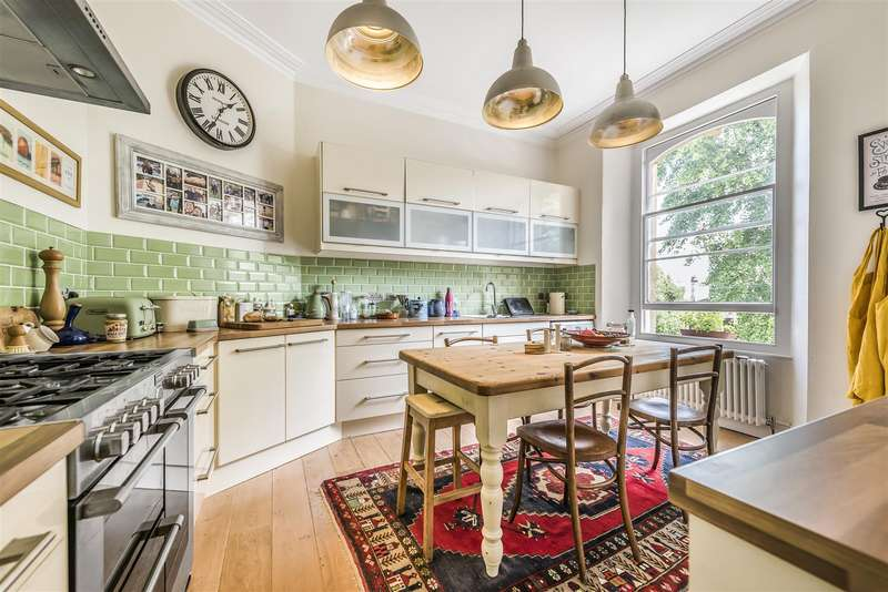 3 Bedrooms Flat for sale in Cambridge Park, Redland