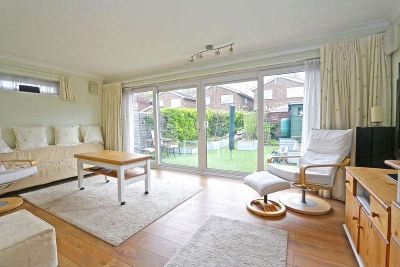 4 Bedrooms Detached House for sale in Bartley Close, Benfleet SS7