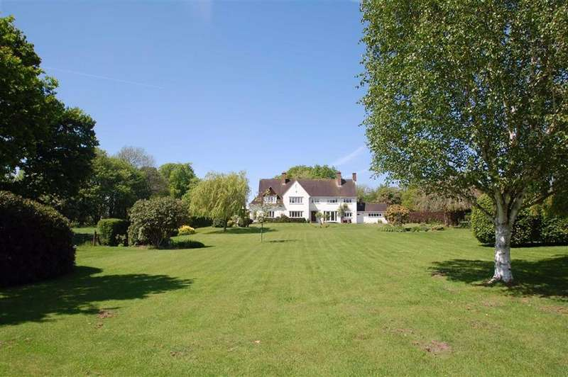 4 Bedrooms Detached House for sale in Wilmslow Road, Woodford, Cheshire