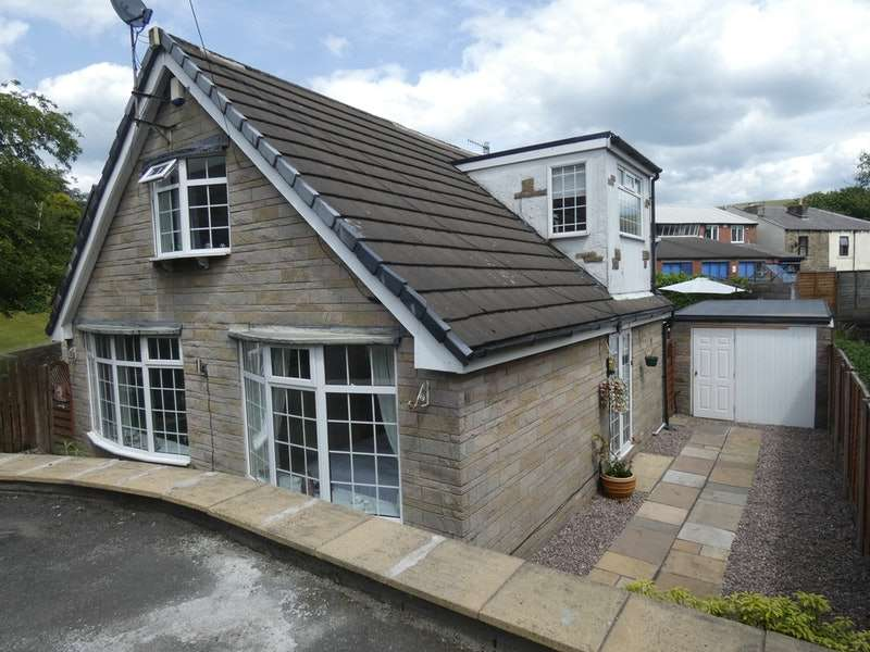 4 Bedrooms Detached House for sale in Garth Edge, Rochdale, Lancashire, OL12
