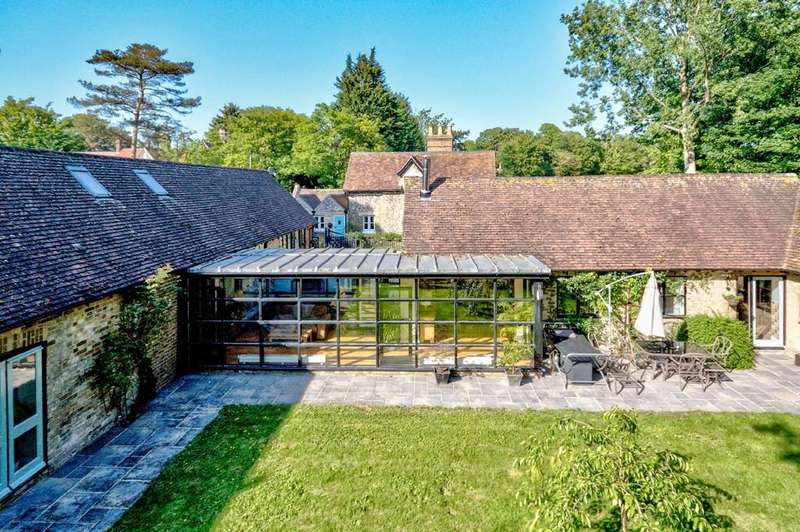 5 Bedrooms Barn Conversion Character Property for sale in High Wych, Sawbridgeworth
