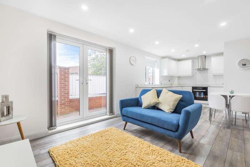 1 Bedroom Flat for sale in Chapel Street, Thatcham, RG18