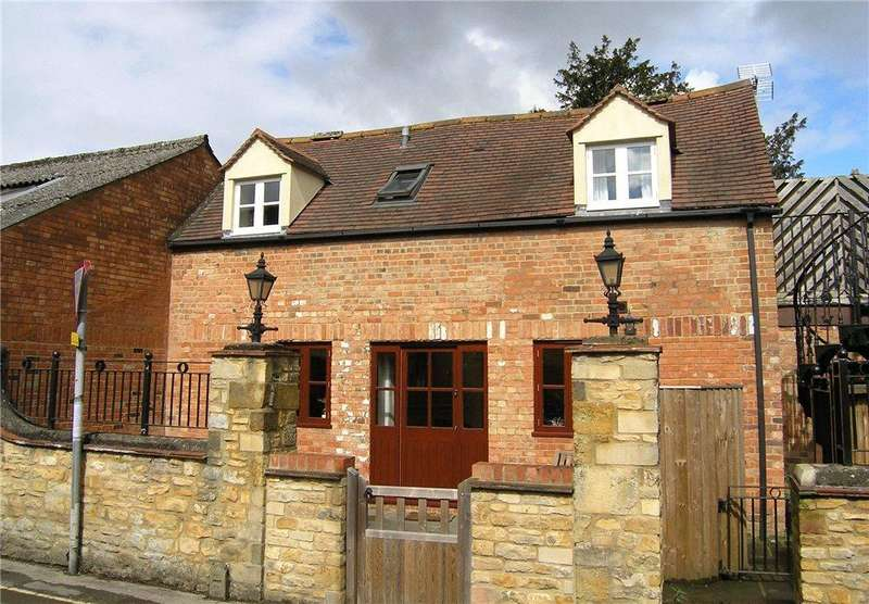 2 Bedrooms Terraced House for sale in Corders Lane, Moreton-In-Marsh, Gloucestershire, GL56