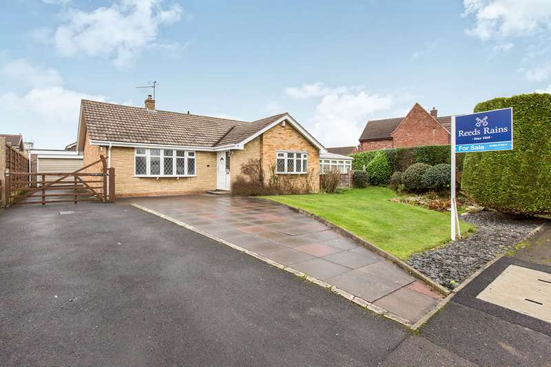 3 Bedrooms Detached Bungalow for sale in Falmouth Road, Congleton, Cheshire, CW12