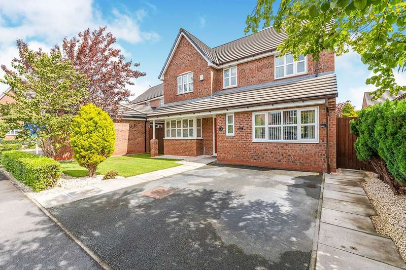 4 Bedrooms Detached House for sale in Roscommon Way, Widnes, Cheshire, WA8