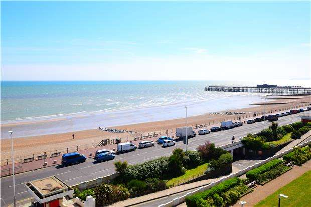 5 Bedrooms Flat for sale in Robertson Terrace, HASTINGS, East Sussex, TN34 1JN