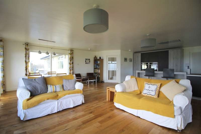 4 Bedrooms Detached House for sale in Cluniter Road, Dunoon, Scottish Borders, PA23