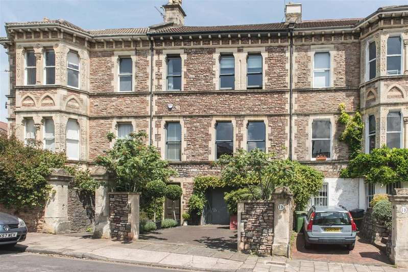 5 Bedrooms Town House for sale in Hughenden Road, Clifton