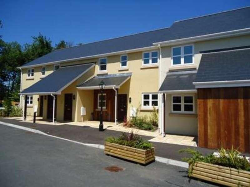 2 Bedrooms Maisonette Flat for rent in Gibraltar Care Village, Portal Road, Monmouth
