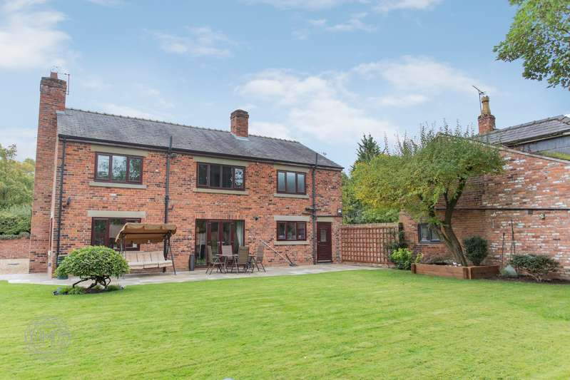 5 Bedrooms Detached House for sale in Lower Green Lane, Tyldesley, Manchester, M29