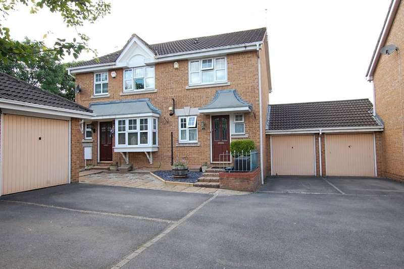 2 Bedrooms Semi Detached House for sale in Constable Close, Keynsham, Bristol, BS31