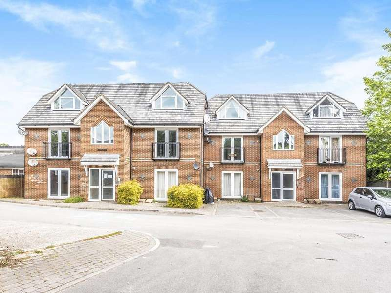 2 Bedrooms Apartment Flat for sale in Greengates, Lundy Lane, Reading, RG30