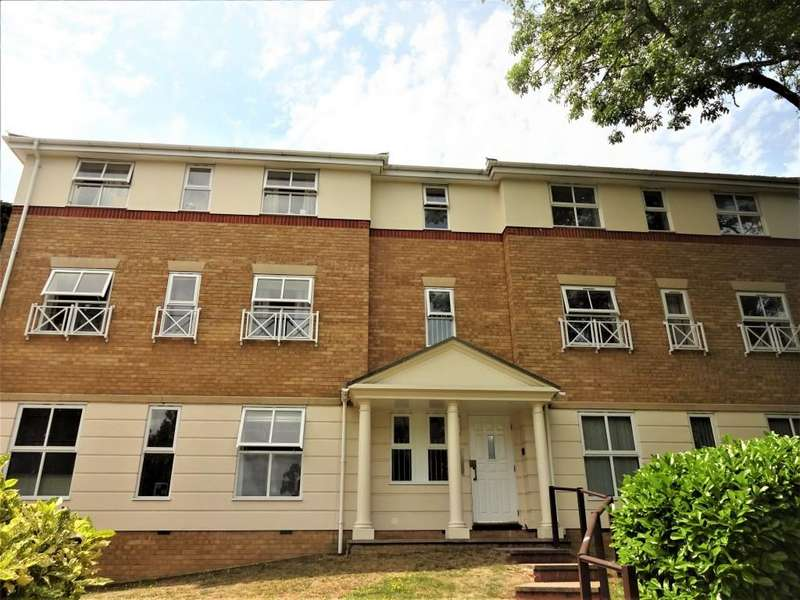2 Bedrooms Apartment Flat for sale in Ladys Close, Watford