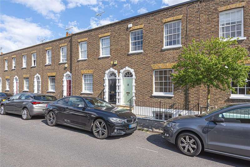 2 Bedrooms Terraced House for sale in Grove Road, Windsor, Berkshire, SL4