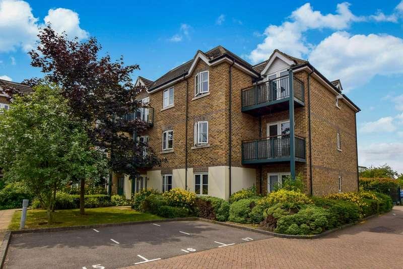 2 Bedrooms Flat for sale in Oppidan, Huntercombe Lane North, Taplow, Maidenhead, SL6