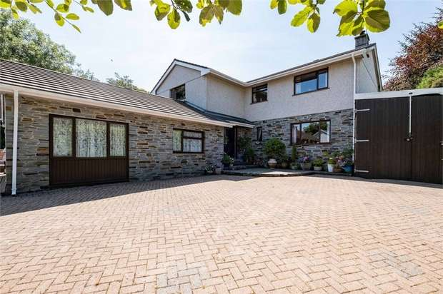 6 Bedrooms Detached House for sale in Treverbyn Road, Stenalees, St Austell, Cornwall