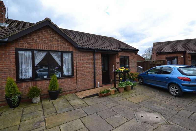 2 Bedrooms Semi Detached Bungalow for rent in Aldermans Way, Brandesburton