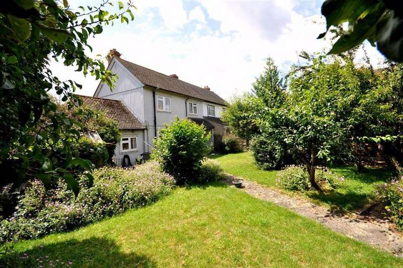 3 Bedrooms Semi Detached House for sale in The Wordens, Stroud