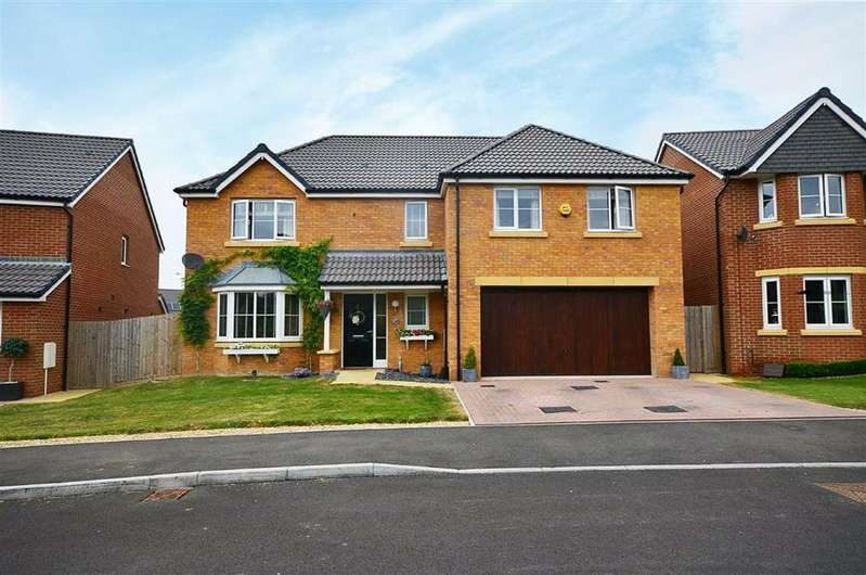 5 Bedrooms Detached House for sale in Spinners Road, Brockworth