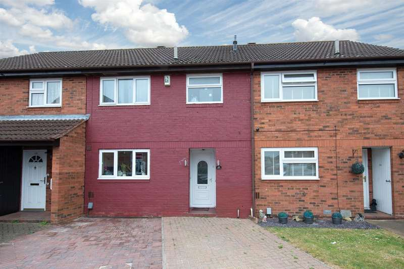 3 Bedrooms Terraced House for sale in Ravenhill Way, Luton, Bedfordshire