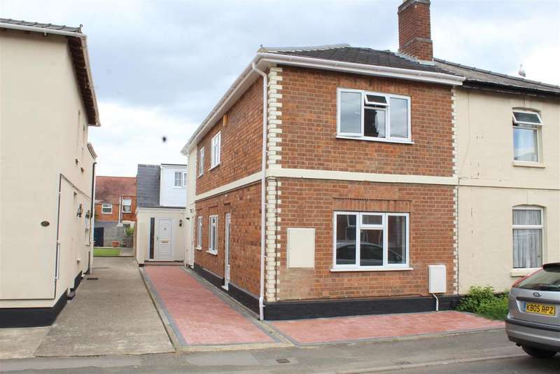 5 Bedrooms Semi Detached House for sale in Howard Street, Gloucester
